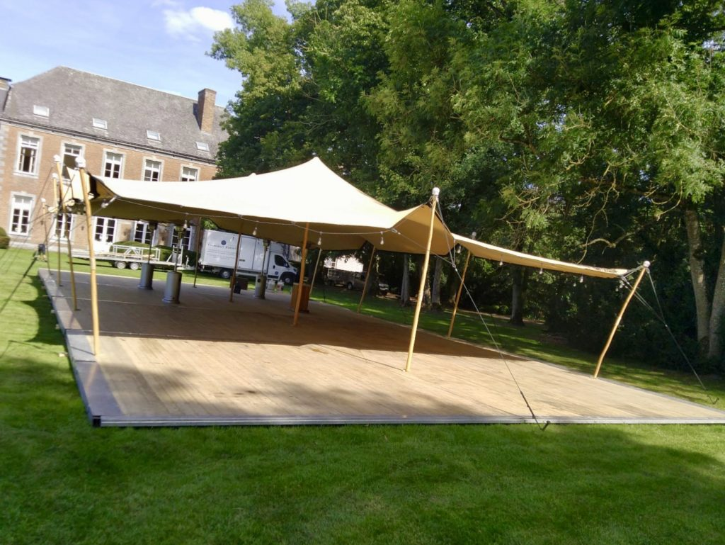 Tente stretch 7.5x10m avec plancher